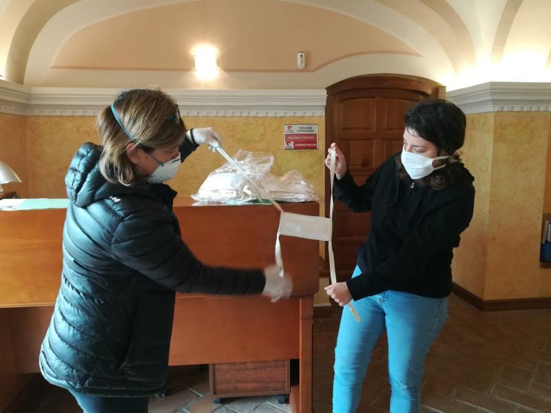 Donación de mascarillas por Platoforma Zumaque (jueves 19)